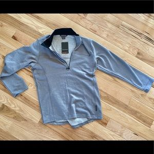 New with tags men's 1/4 zip!